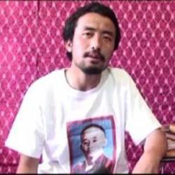 Ost Nachrichten & Osten News | Ost Nachrichten / Osten News - Foto: Kelsang Tsultrim beim Aufnehmen seiner Video-Botschaft.