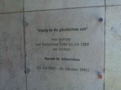 Ost Nachrichten & Osten News | Foto: Ansicht der Tafel an der Universitätsstraße 20.