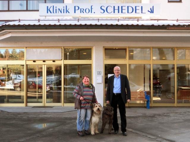 Bayern-24/7.de - Bayern Infos & Bayern Tipps | Mit dem Hund gemeinsam in die Rehabilitation: Prof. Dr. Hannes Schedel (rechts) und Karin Keisel vom Hundehof Keisel kooperieren