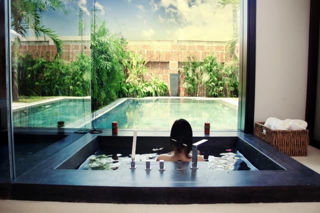 Indien-News.de - Indien Infos & Indien Tipps | Baden mit Blick auf Pool: Das Resort Fusion Maia in Danang