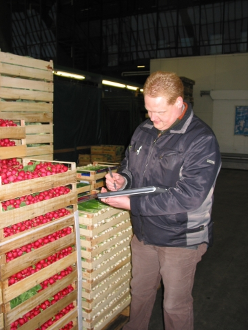 Hamburg-News.NET - Hamburg Infos & Hamburg Tipps | Standverkauf auf dem Blumengroßmarkt mit der Brückner-Software