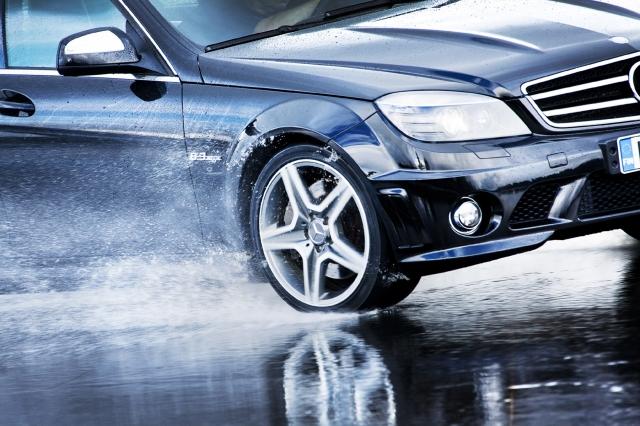 Europa-247.de - Europa Infos & Europa Tipps | Nokian-Reifen ist Testsieger im Sommerreifen-Test 2012 von Auto Bild