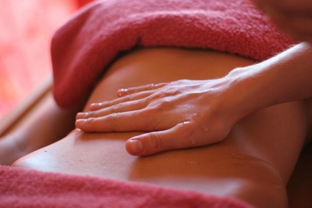 Indien-News.de - Indien Infos & Indien Tipps | Die Yoni-Massage kann Frauen helfen, ihre Sexualität neu zu entdecken