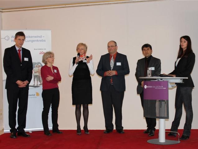 Hotel Infos & Hotel News @ Hotel-Info-24/7.de | Aktion Rückenwind - Dr. S. Oberste-Beulmann (3.v.l.), RJK