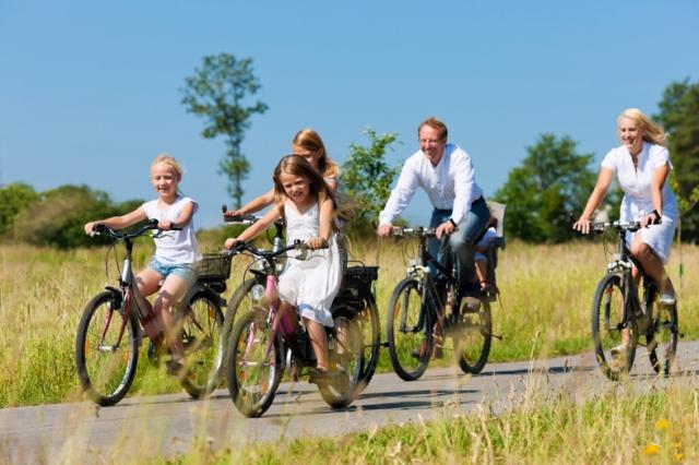 fluglinien-247.de - Infos & Tipps rund um Fluglinien & Fluggesellschaften | Vom 3. bis 10. Juni 2012 dreht sich im Nordseeheilbad Esens-Bensersiel alles rund um das Thema  Radfahren. Bei der Fahrradwoche stehen täglich geführte Touren durch die ostfriesische Landschaft und entlang der Nordseeküste auf dem Programm.