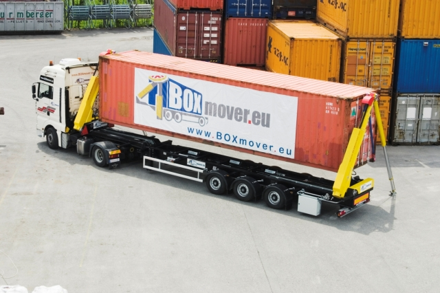 BOXmover.eu - die Fähigkeit, Container zwischen verschiedenen Transportsystemen zu bewegen (LKW-Schiene-Boden, LKW-LKW-Boden)