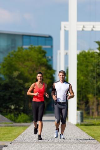 Podcasts @ Open-Podcast.de: Lauffieber: Läufer sollten optimal vorbereitet sein, bevor sie längere Strecken absolvieren. Dabei gilt, Trainingspausen und Regeneration nicht zu vergessen.