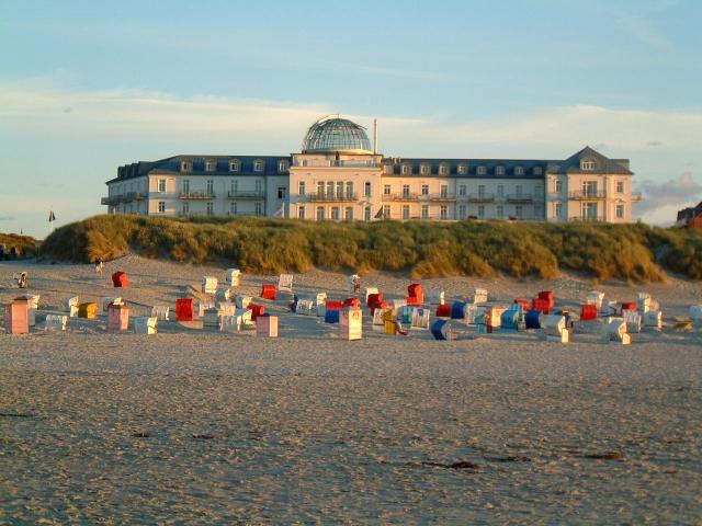 Hotel Infos & Hotel News @ Hotel-Info-24/7.de | Direkt am Meer gelegen: Das Strandhotel Kurhaus Juist