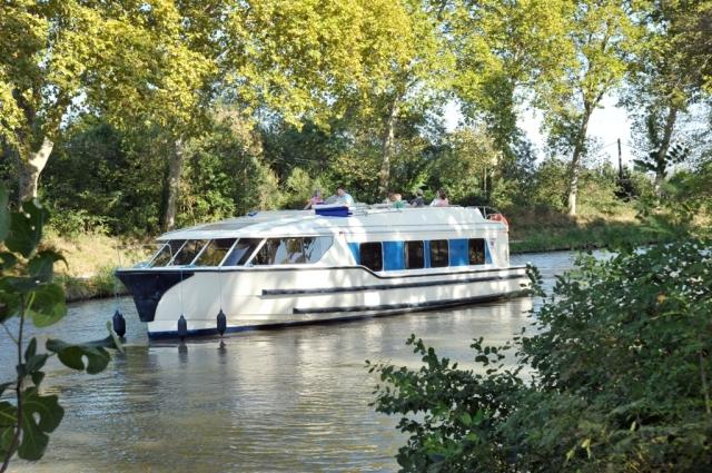 Europa-247.de - Europa Infos & Europa Tipps | Das neue Luxus-Hausboot auf dem Canal du Midi