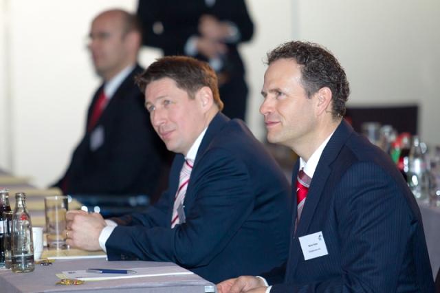Medien-News.Net - Infos & Tipps rund um Medien | Die Vorstände der Wassermann AG, Günter F. Baumann (links) und Martin Hofer, auf den Vision-Days.