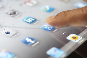 Hessen-News.Net - Hessen Infos & Hessen Tipps | Die Erfassung von Papier lässt sich – ähnlich wie Apps – auf Knopfdruck anstoßen. Foto: iStockphoto