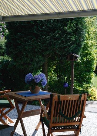 Fit in die neue Saison: Eine Überprüfung durch den Profi garantiert langlebige Anlagen für komfortablen Sonnenschutz.