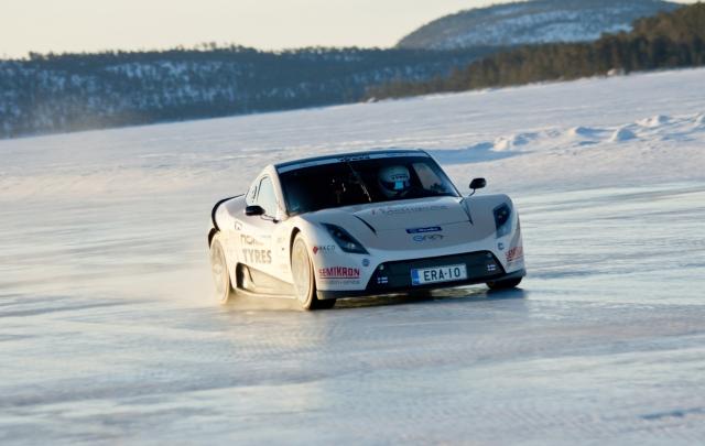 Hamburg-News.NET - Hamburg Infos & Hamburg Tipps | Nokian-Reifen sind die Schnellsten auf Eis mit einem Elektroauto: Weltrekord