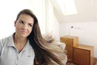 Video Infos & Video Tipps & Video News | Undichtigkeiten: Wenn im Haus der Zugwind buchstäblich pfeift, sollte eine Luftdichtheitsprüfung (Blower-Door-Messung) durchgeführt werden.
