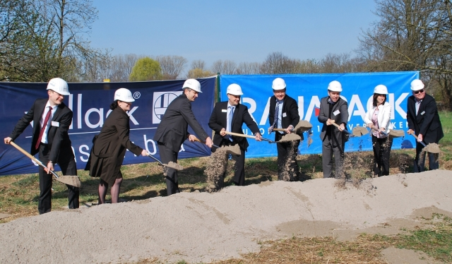 Europa-247.de - Europa Infos & Europa Tipps | Am 27. März 2012 fand der offizielle Spatenstich für den neuen Standort von Rajapack in Ettlingen statt.