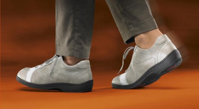 Erfurt-Infos.de - Erfurt Infos & Erfurt Tipps | Sichere Bewegung ohne sich unsicher zu fühlen: Der therapeutische Nutzen bleibt trotz straßenschuhtypischem Erscheinungsbild der LucRo-Schuhe erhalten.