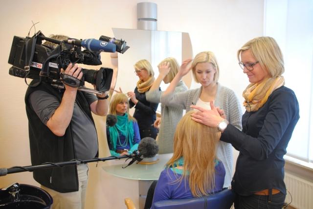 Medien-News.Net - Infos & Tipps rund um Medien   Drehtermin bei Bergmann beim Aufsetzen von Volumen Effekt