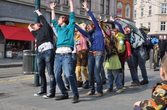 Tickets / Konzertkarten / Eintrittskarten | Freischütz-Fans und Backpacker auf virtueller Achterbahnfahrt durch Linz