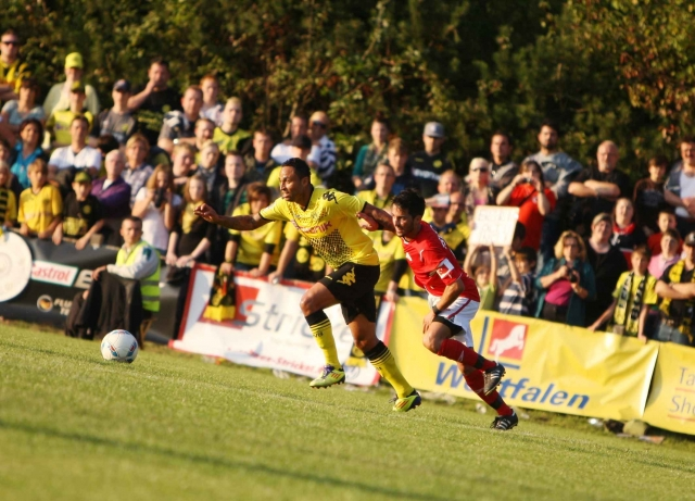 Nordrhein-Westfalen-Info.Net - Nordrhein-Westfalen Infos & Nordrhein-Westfalen Tipps | Ein grandioses Fußballfest war das Spiel des Kreisligisten TSV Horn aus Horn-Bad Meinberg gegen den BVB im September 2011.