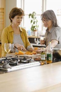 Wellness-247.de - Wellness Infos & Wellness Tipps | Gesundheitsmanagerin: Frauen entscheiden meistens, was in der Familie auf den Tisch kommt.