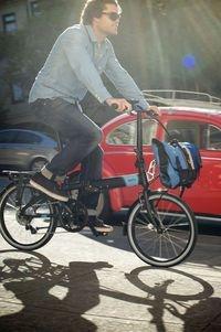 Faltrad Test: Für die letzten Innenstadtkilometer vom Park-and-ride-Parkplatz bis zum Ziel sind die kleinen Miniflitzer eine komfortable Lösung.