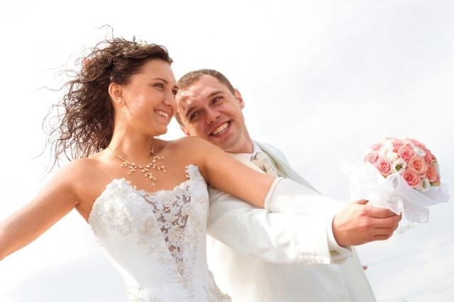Potsdam-Info.Net - Potsdam Infos & Potsdam Tipps | Brautpaar auf der Hochzeit