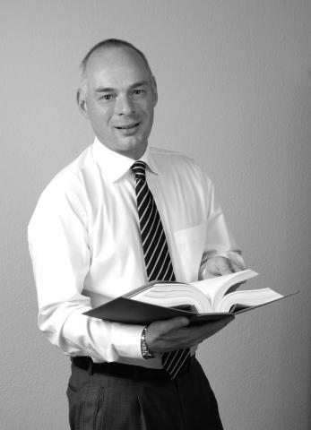 Rechtsanwalt und Fachanwalt für Verkehrsrecht Alexander Dauer: http://www.verkehrsrecht-24.com