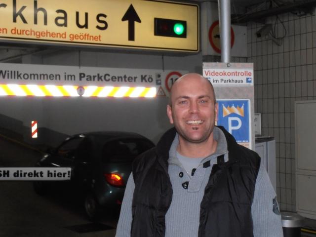 Berlin-News.NET - Berlin Infos & Berlin Tipps | Betriebsleiter Simon Heyer in der Parkhaus-Garage Hagemann