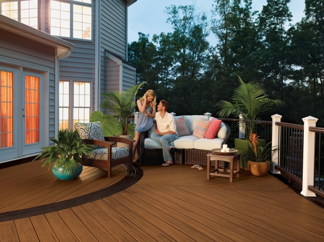 trex bringt hochbelastbare umweltfreundliche. Black Bedroom Furniture Sets. Home Design Ideas