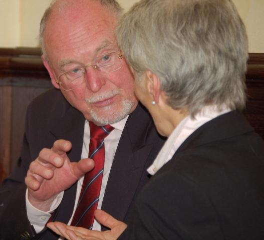 Dr. Gerhard Reininghaus aus Bielefeld ist Initiator der außergewöhnlichen Aktion
