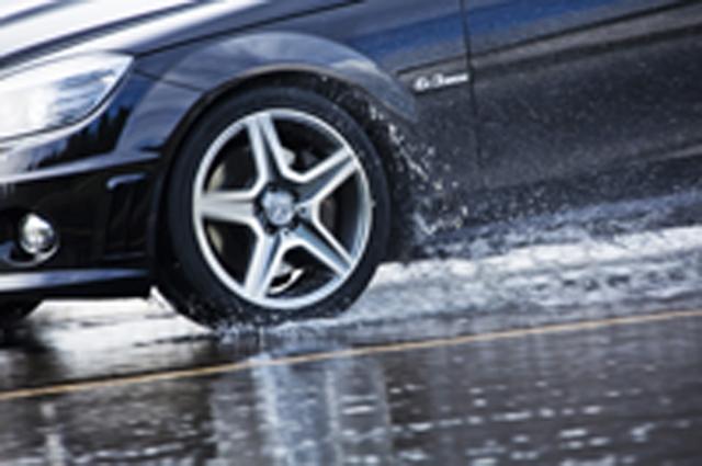 Auto News | Nokian-Reifen sind die Testsieger in den Sommerreifen-Tests 2012  Foto: Nokian