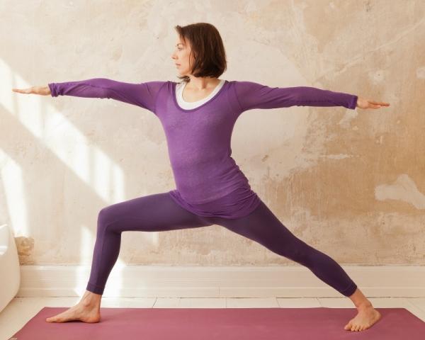 Frankfurt-News.Net - Frankfurt Infos & Frankfurt Tipps | Yoga Lotusblume - Claudia Dahnelt (Krieger 2)