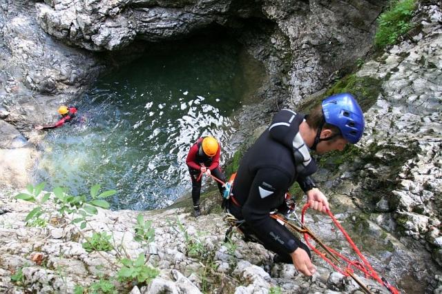 Nordrhein-Westfalen-Info.Net - Nordrhein-Westfalen Infos & Nordrhein-Westfalen Tipps | Mountain Adventure Week - Adrenalin beim Klettern und Abseilen im Gebirgsfluss