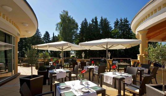 Restaurant Infos & Restaurant News @ Restaurant-Info-123.de | Das Steigenberger Hotel Der Sonnenhof zeichnet sich durch stilvoll elegantes Ambiente und eine Atmosphäre mit hohem Wohlfühlfaktor aus.