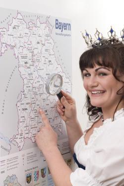 Landwirtschaft News & Agrarwirtschaft News @ Agrar-Center.de | Foto: In ganz Bayern sucht die amtierende Milchkönigin Christa Rappensperger nach einer geeigneten Nachfolgerin – vielleicht wird sie in München fündig..