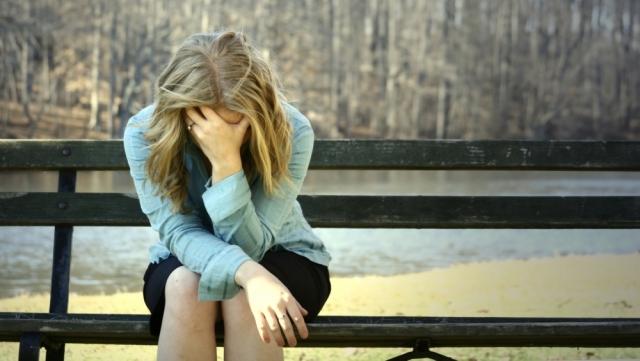 Versicherungen News & Infos | Frau mit Burnout