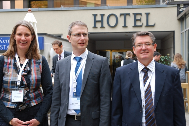CMS & Blog Infos & CMS & Blog Tipps @ CMS & Blog-News-24/7.de | Foto: v.l.n.r Charlotte Straus, Jörg Thinius, Eckhard Neumann