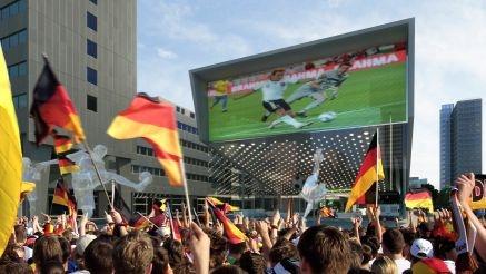 Nordrhein-Westfalen-Info.Net - Nordrhein-Westfalen Infos & Nordrhein-Westfalen Tipps | Tagperspektive des Fuballmuseum Dortmund