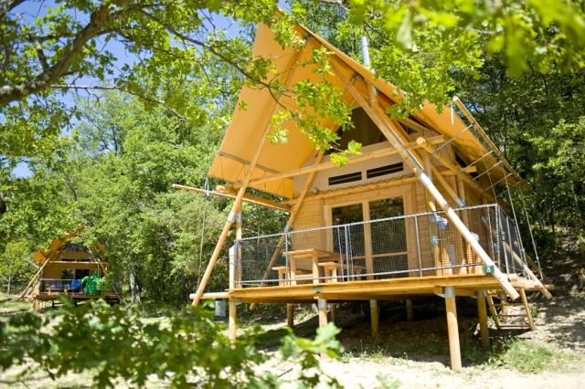 Baden-Württemberg-Infos.de - Baden-Württemberg Infos & Baden-Württemberg Tipps | Eine Zeltdach-Hütte in Frankreich