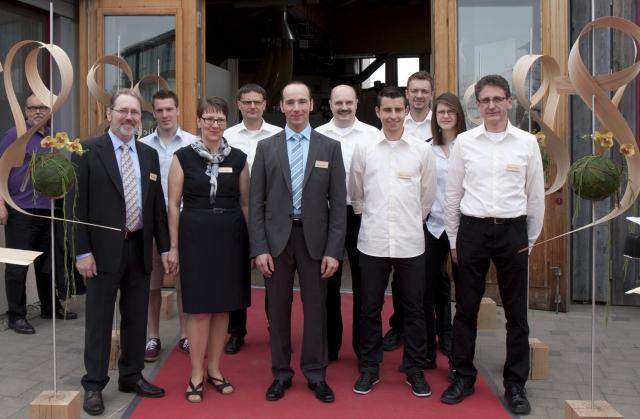 App News @ App-News.Info | Belegschaft der Holzwerkstatt Rhein, Sulzdorf bei Giebelstadt