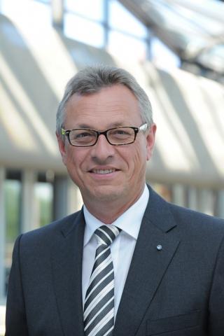 Musik & Lifestyle & Unterhaltung @ Mode-und-Music.de | Siegfried Schneider, Präsident der BLM, wird die Lokalrundfunktage 2012 eröffnen