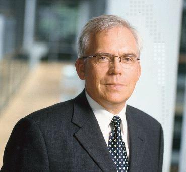 Elektroauto Infos & News @ ElektroMobil-Infos.de. Volkswagen Entwicklungschef Ulrich Hackenberg im carIT-Interview