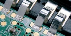 Technik-247.de - Technik Infos & Technik Tipps | Müssen sehr zuverlässig sein: Bändchen-Bonds für die Leistungselektronik.