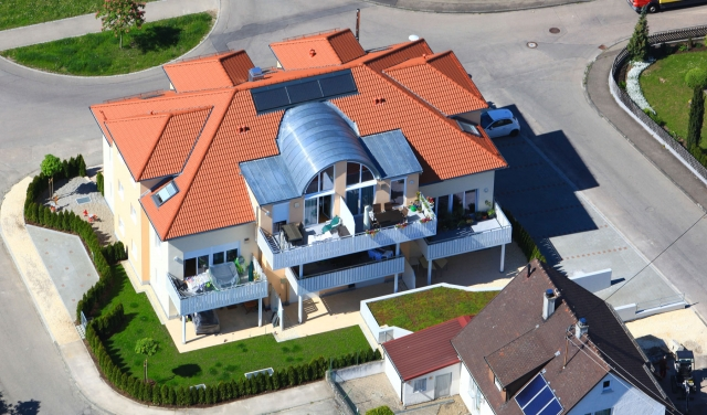 Rom-News.de - Rom Infos & Rom Tipps | Im Jahr 2011 realisierte unter anderem den Neubau des Mehrfamilienhauses mit acht Wohneinheiten am Falkenplatz 1 in Herbrechtingen. Foto: Geyer Luftbild