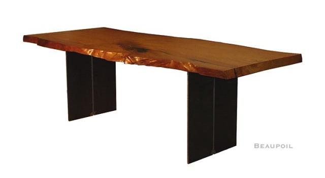 Neuseeland-News.Net - Neuseeland Infos & Neuseeland Tipps | Kauri Tisch als Esstisch Unikat aus außergewöhnlichem Kauri Holz