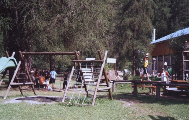 Brandenburg-Infos.de - Brandenburg Infos & Brandenburg Tipps | Zum großen Abenteuerspielplatz in St. Jakob wollen Kinder am liebsten jeden Tag.