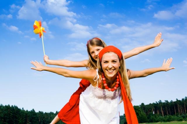 Ost Nachrichten & Osten News | glückliche Kinder und entspannte Eltern im Familienurlaub