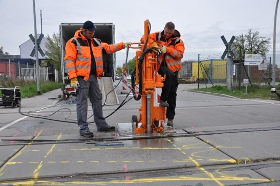 Technik-247.de - Technik Infos & Technik Tipps | Für den Einbau der Hybridelemente sind nur geringe Bohrdurchmesser erforderlich.