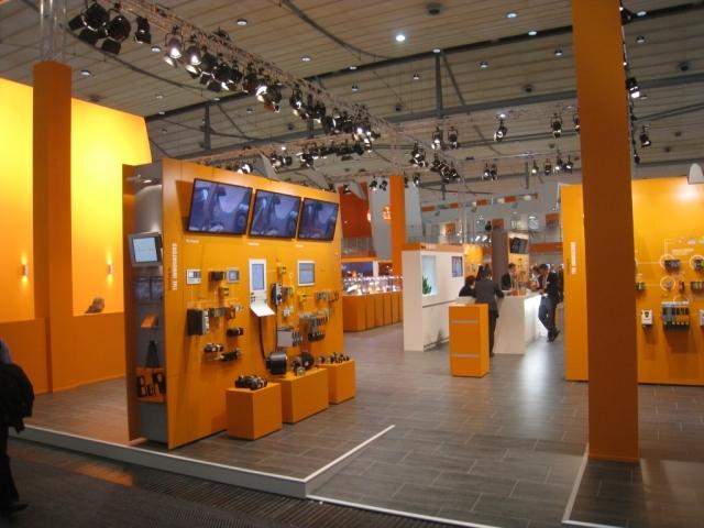 Niedersachsen-Infos.de - Niedersachsen Infos & Niedersachsen Tipps | Der B&R-Messestand auf der HMI in Hannover