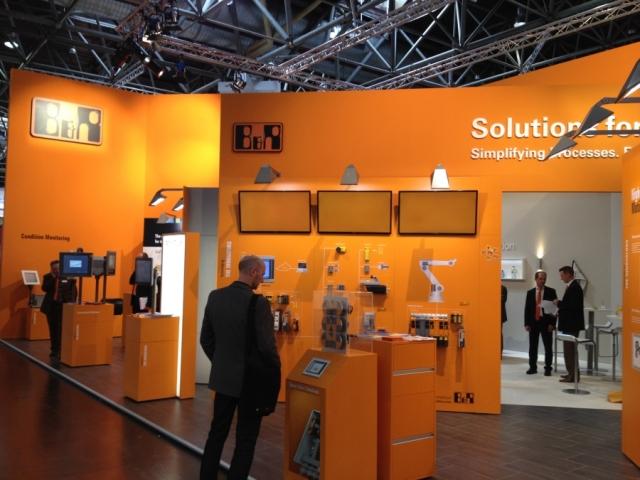 Oesterreicht-News-247.de - Österreich Infos & Österreich Tipps | Auf der Drupa haben mehr als 100 Hersteller Printmedienproduktionsmaschinen und Peripheriegeräte mit Automatisierungslösungen von B&R präsentiert.